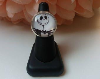 """Ring adjustable """"Jack"""" black and white skeleton bust. 25mm cabochon"""