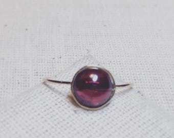 Fine Stone Rose 18 K Gold Garnet ring