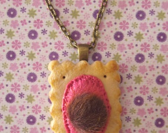 """Hairy"" cookie necklace"