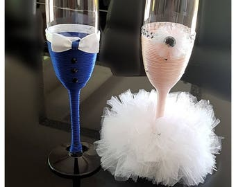 Customizable champagne flutes for your wedding