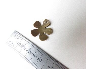 A flower pressed bronze