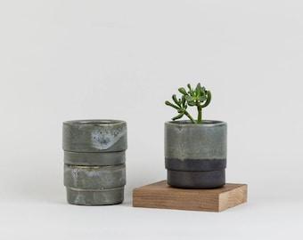 Black Pot | simple handmade ceramics by Labrador
