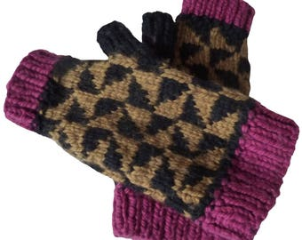 Fingerless gloves with thumb in pure worsted wool jacquard