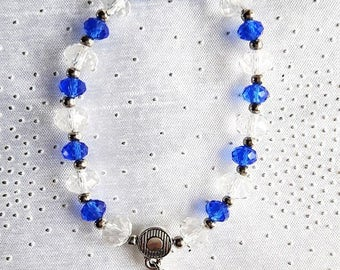 Bracelet shell and clear beads