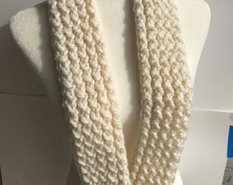Handmade Knitted Infinity Scarf 3025