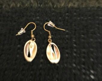 Seashell earings cut