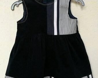 Very cute dress in Navy velvet, sleeveless, T 3 years, fully lined