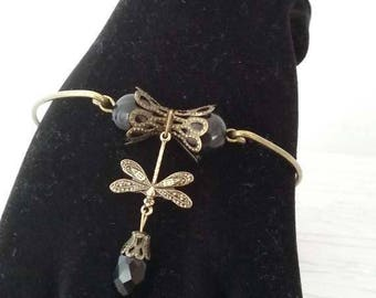 Bracelet antique vintage style with beads and a Dragonfly