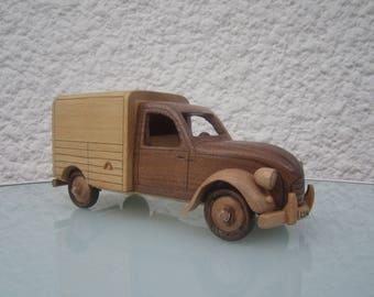 2CV van. Decorative figurine made of wood.