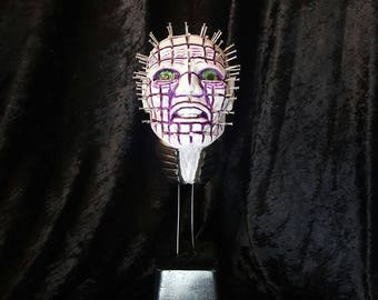 Amazing pinhead hellraiser deluxe sculpted bust. Hand made sculpted and painted  in awesome detail
