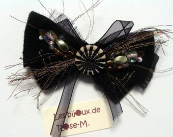 Brooch Butterfly black white button