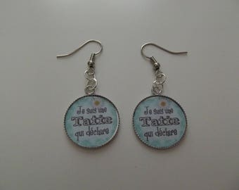 THESE EARRINGS I AM AN AUNTIE WHO TORN