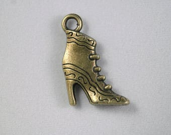 Charm shoes / boots with heel bronze