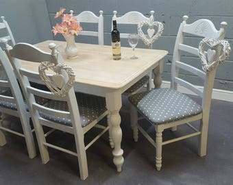 Stunning Shabby Chic 5FT Table And Chairs