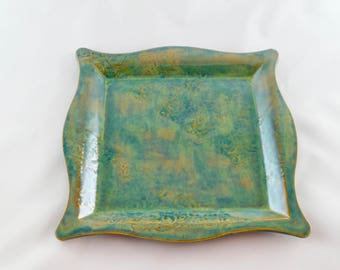 Green Platter with Curlicues pattern