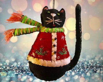 hand stitched cat Christmas Handcrafted felt Christmas tree decoration / felt hanging ornament chic felt / primitive cat decoration