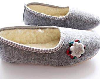 FELT moccasin, Grey WOOL natural slippers, Warm women home shoes moccasins, Comfortable scandinavian simple style, Christmas winter gift