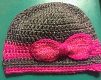 Girl's Beanie with bow
