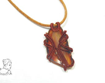 The Mask - wire woven agate slab necklace