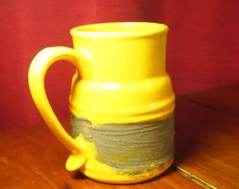 Pottery vase laurentian pottery