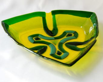 Fused Yellow Glass plate, Clover, Triangle bowl, Fusing, Fused plate, Art glass, Glass bowl, Home decor, Kitchen decor, Table decor, Gift.