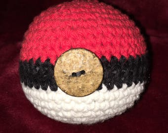 Crochet Poké Ball