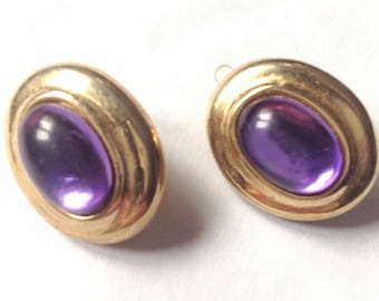 Vintage! Marvella faux amethyst purple & gold tone clip on earrings.