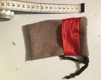 Rests Pouch-Example Group 2-packing for rings and chains, etc.