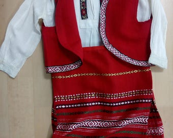 Unigue bulgarian vintige folk costume for 4 years old girl.