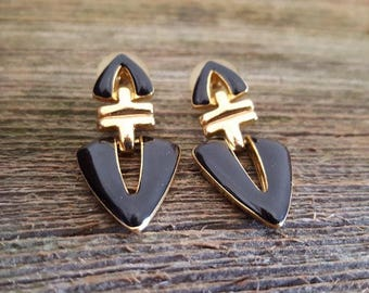 Vintage Black Enamel and Gold tone Earrings Costume jewelry