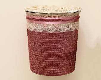 Trash basket with cover