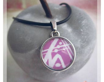Miss Shabby-necklace with pendant-silver white lilac (Alternating motif-snap button)
