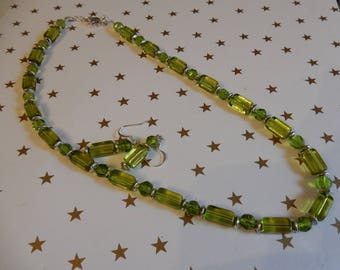 short necklace green translucent