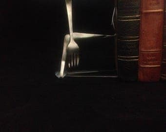 show off book end