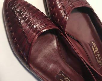 Vintage Etienne Aigner Oxblood Classic Leather Flats 7.5