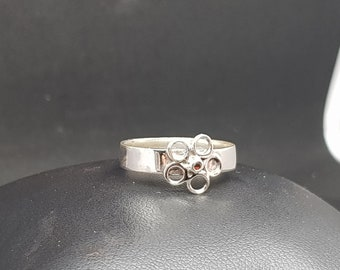 Handmade sterling silver daisy ring