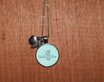 Beach bum Pendant necklace