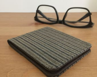 Mens Vegan Wallet / Ultra Thin Minimalist Billfold Wallet / Brown Pinstripe Herringbone