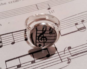 Vintage Sheet Music Ring, Treble Clef, Music Ring, Sheet Music Jewelry, Musician Gift, Piano Teacher Gift, Adjustsble Ring, Gift Under 10
