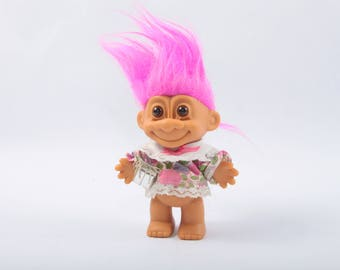 Vintage Troll with a Present, Birthday, Gift, Pink Hair, Norfin, Dam, Russ ~ The Pink Room ~ SS005