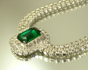 Vintage/ estate 1990s silver tone with emerald green and clear rhinestone costume necklace - jewelry / jewellery