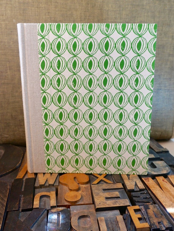 Photo Album - Large with Medium with a Green Onion Pattern