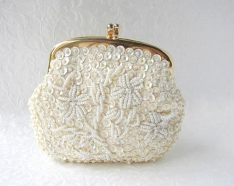 Vintage Small Beaded Coin Purse Small Ivory Beaded Change Pouch Gold Kiss Clasp Frame Formal Evening Wedding Bridal Chic Handbag Accessory