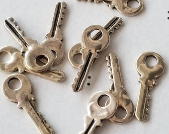 Antiqued Silver Keys Charms (10)