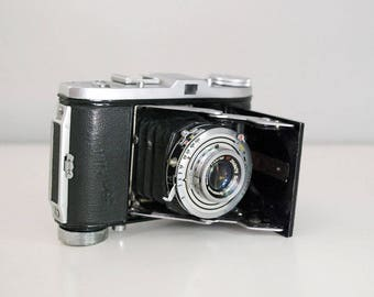 Balda Baldinette Camera, 1950s Folding Camera, German 35mm SLR, Vintage Black Bellows Camera, German Photo Equipment, Leather Case