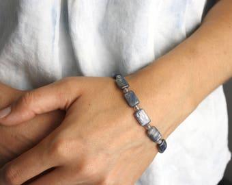 Blue Kyanite Bracelet . Crystals for Meditation Bracelet . Healing Energy Bracelet . Bead Gemstone Bracelet