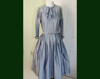 Vintage 1950's L'Aiglon New Look Full Skirt Dress with Bow