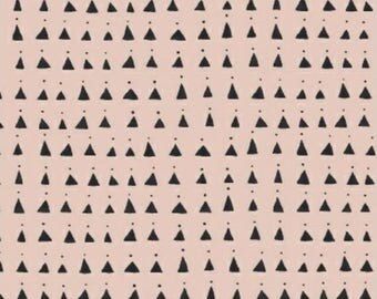 20%OFF Whisper by Victoria Johnson for Windham Fabrics Pink Triangles