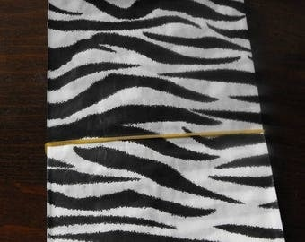STOREWIDE SALE 100 Pack 5 X 7 Inch Black and White Zebra or Tiger Striped Flat Paper Merchandise Bags