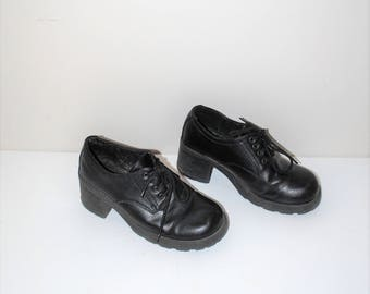 90s platform ankle booties 1990s black vegan chunky lace up oxford platforms size 9